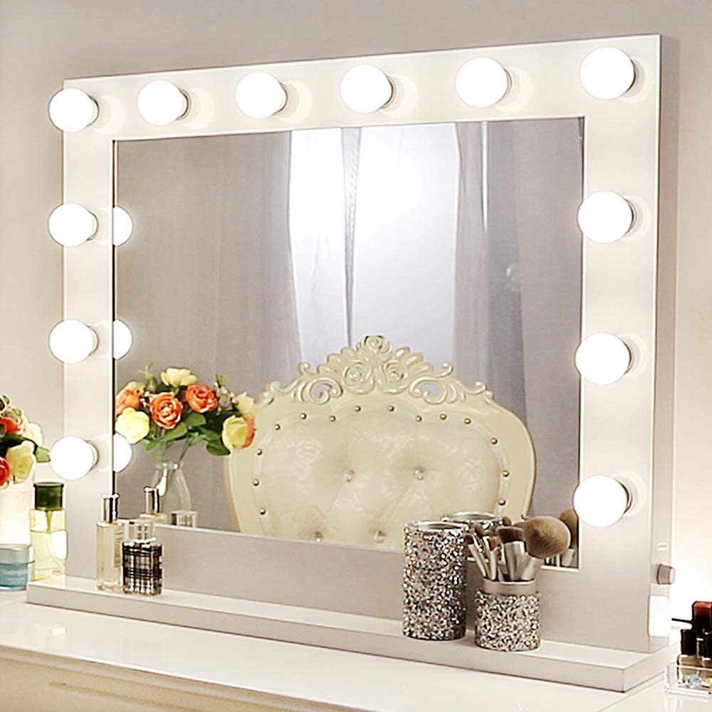 Various types of mirrors for your bathroom